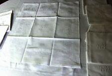 """Lot de 12 serviettes damassées à monogramme """"LM"""" brodé main - 61 x 56,5 cm"""
