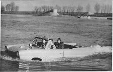 RARA PHOTO PRESS ORIGINALE CABRIOLET ANFIBIO AMPHICAR MOTORE TRIUMPH  - 1965
