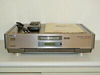 Sony EV-S9000 High-End Hi8-Videorecorder, inkl. FB&BDA, 2 Jahre Garantie