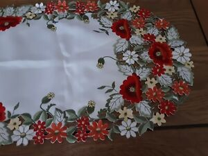 """Beautiful Floral  Embroidered Table Runner with cut work 43x15"""" BNWOT"""
