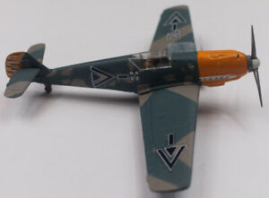 Toy Mark - Model Airplane - BF 109 green/tan camouflage design - Pilot included!