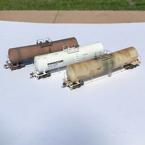 LOT of SIX Weathered HO Scale Walthers & Atlas Tank Cars PROCOR UTLX USED
