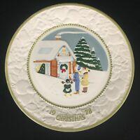 VTG Plate 1978 Metlox Pottery Vernon White Christmas Songs of Christmas USA