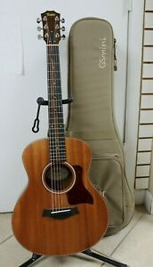 Taylor GS Mini Mahogany Acoustic Guitar - Natural Finish w/ a Padded Travel Case