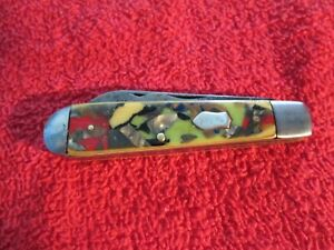 VINTAGE POCKET KNIFE,  CANDY HANDLES. 2 Blade  Bomb Shield Badge