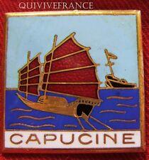 IN5205 - INSIGNE CAPUCINE, Dragueur, ex 322,  voile rouge, dos grenu