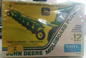 1/25 Ertl John Deere Moldboard Plow #8012 Factory Sealed