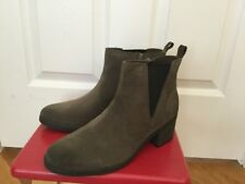 NWOB CLARKS Dark Taupe Suede NEVELLA BELL Zip Ankle Boots Sz 9.5 $160