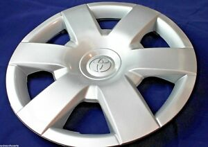 "TOYOTA HIACE HUBCAP 200 SERIES 15"" FROM JAN 2005 LWB SLWB COMMUTER NEW GENUINE"