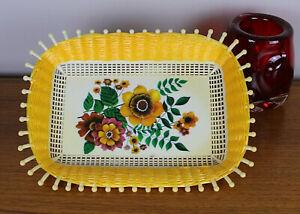 Vintage plastic woven fruit bread basket bowl flower design 1960 kitsch kitchen