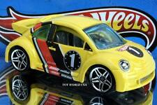 2002 Hot Wheels #45 First Edition Volkswagen New Beetle Cup w/black roof rail