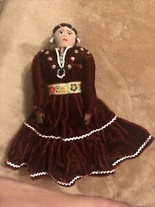 VINTAGE NAVAJO NATIVE AMERICAN DOLL Handmade Signed Mary S Chicharello 8""
