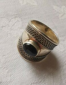 SUARTI Lovely Sterling Silver Wide Ring with Onyx Stone, Size Q