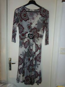 Robe longue Armand Thiery , Taille 1 ,TBE