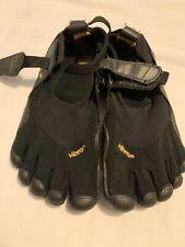 Vibram FiveFingers Size 37 Womens US 6 Black Running Shoes Barefoot EUC Toe Shoe