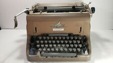Vtg. Canadian Underwood 150 Typewriter with cover - N. American Shipping FREE
