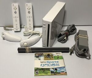 Nintendo Wii White Console RVL-001 - Game Cube Compatible Wii Sports Bundle