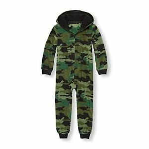 Boy's Green, Black Glacier Fleece Hooded Camouflage Pajama Sleeper, Small 5-6
