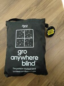 Gro anywhere travel blackout blind with suction cups, excellent condition.