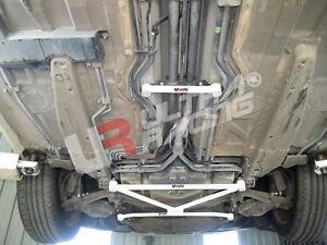 Porsche Boxster (986) UltraRacing 2-punti centrale inferiore Barra - Telaietto
