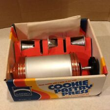 Mirro Cookie Pastry Press Pastry Bag/Tips and Discs M-0358-22