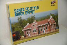 Walthers N sante Fe style Brick depor estacion mercancias  SIN USAR