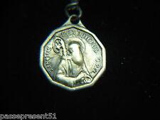 Jolie ancienne médaille laiton, Sanctus BENEDICTUS
