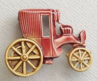 broche bijou vintage base couleur argent émail rouge grenat voiture tacot  526