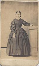 CDV PORTRAIT OF WOMAN IN BEAUTIFUL LARGE DRESS - ELIZABETHTOWN, PA