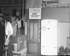 Vtg 1950's B&W Kelvinator Refrigerator (Fridge) APPLIANCE Store Photo #5