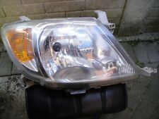 TOYOTA HILUX DRIVER SIDE HEAD LIGHT ( USED)2005 TO 2010 ( GENUINE)