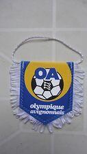 FANION OLYMPIQUE AVIGNONNAIS  FOOTBALL TRES BON ETAT