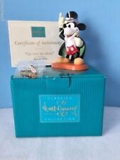 """Magician Mickey Sculpture 1997 """"On With The Show"""" WDCC Membership Pin"""