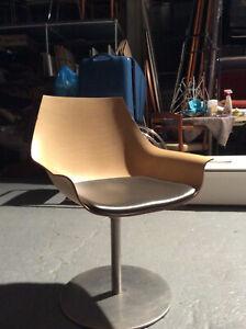 Lapalma, Italien, Cox Drehstuhl aus Holz, Rundfuß, Lounge Sessel