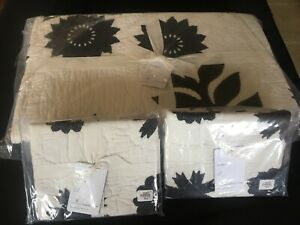 Pottery Barn Lilo Quilted Full/Qn Duvet w/2 matching Std Shams Gorgeous Print!!