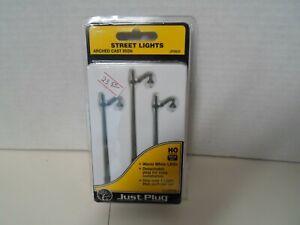 Woodland scenics   Arched cast iron   street lights plug & play system