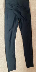 Ladies Under Armour Leggings Size SM (8-10) Black Trousers UA HeatGear
