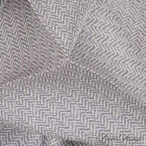NWOT Anonymous Made Italy 100% Silk Platinum Speckled Herringbone Pocket Square