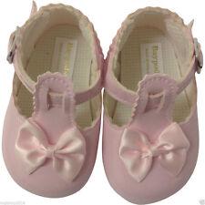 Baby-Schuhe im Sandalen-Stil aus Leder mit Schnalle