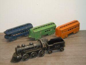 Locomotive & 3 Wagons - Tootsie Toy *37161