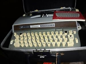 Smith Corona Coronet Automatic Electric 10 Portable Typewriter  Case Manual Key