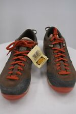 New listing NWT Brown Vasque men's Tennis shoes size 9