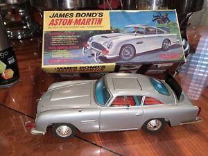 Vintage James Bond 007 Gilbert Aston Martin DB5 Car With Reproduction Art Box