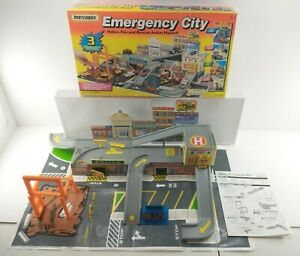 Vintage 1994 Matchbox EMERGENCY CITY Toy Car Playset w/ Sound TESTED / COMPLETE!