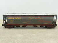MTH 30-75167 RailKing Union Pacific 4-Bay Cylindrical Hopper Car