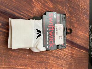 Swiftwick Performance Two Sock WHITE SZ S~