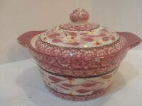 TempTations Presentable Bakeware By Tara Stoneware 1qt Old World Cranberry w/lid
