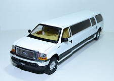 Sunstar 2004 Ford Excursion Limousine diecast car 1/18 NEW IN BOX Model 3932