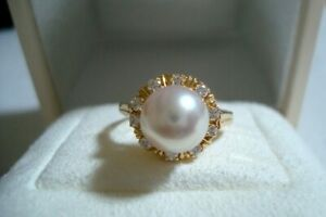 "Authentic ""MIKIMOTO"" K18  8.5mm Akoya Pearl & 10 Diamond Ring"