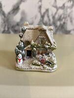Lilliput Lane Vintage Cottage - Santa's Little Helper